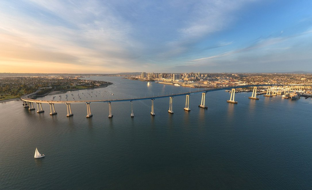 1200px-San_Diego-Coronado_Bridge_by_Frank_Mckenna