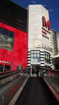 Accessible travelator to the Miracle Mile shops