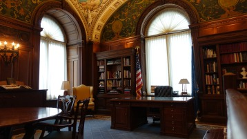 A room in the Library - How West Wing!